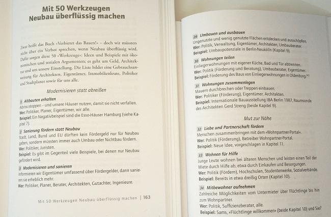 """Buchfoto """"Werkzeuge""""-Seiten"""