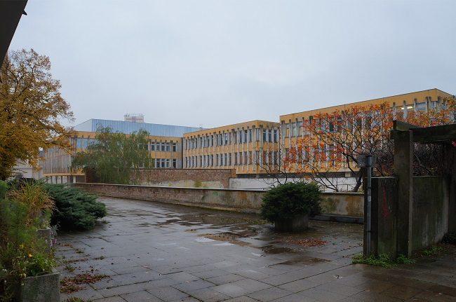 Fachhochschule Rückseite