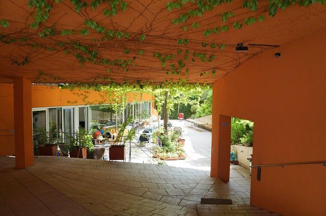 Eingang Wohnprojekt Sargfabrik